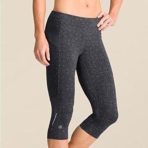 Athleta Bare To Run Knicker Capri leggings